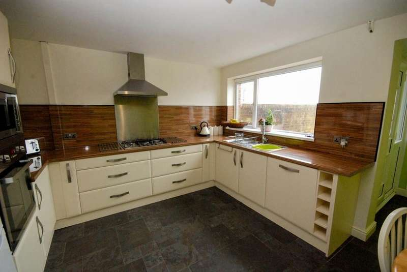 3 Bedrooms Terraced House for sale in Cloverhill, Jarrow