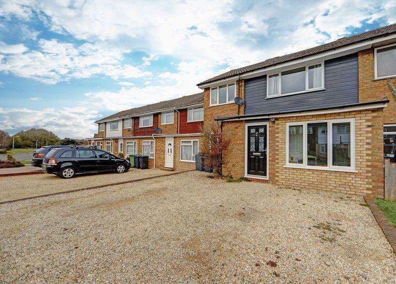 3 Bedrooms Terraced House for sale in Stylish and spacious Stokenchurch home