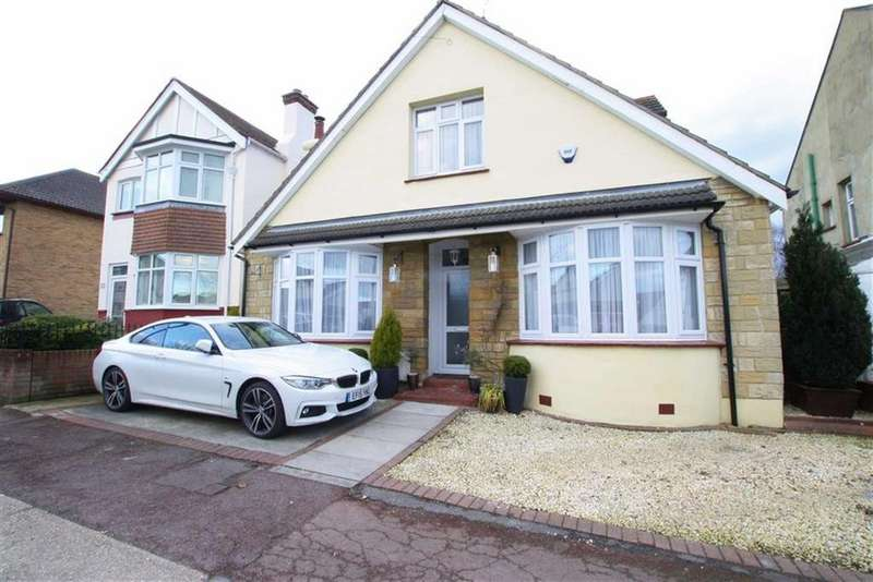 3 Bedrooms Detached Bungalow for sale in Station Road, Leigh-on-sea, Essex