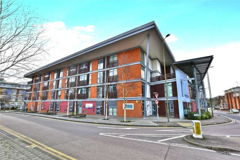 1 Bedroom Flat for sale in Whippendell Road, Watford, Hertfordshire, WD18