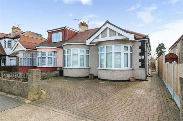 2 Bedrooms Semi Detached Bungalow for sale in Randall Drive, Hornchurch, Essex