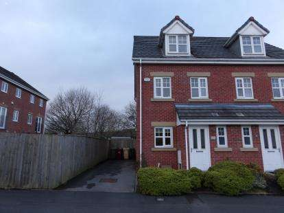 3 Bedrooms Semi Detached House for sale in Fearney Side, Little Lever, Bolton, Greater Manchester