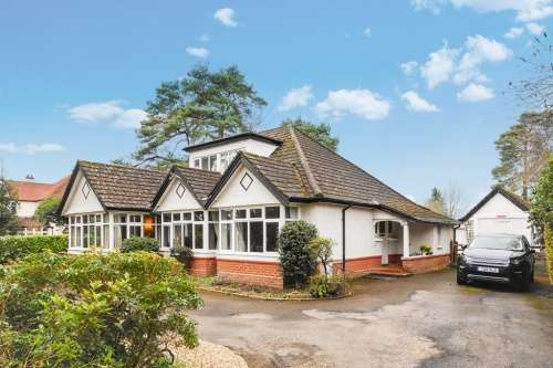 5 Bedrooms House for sale in Glenwood Road, West Moors