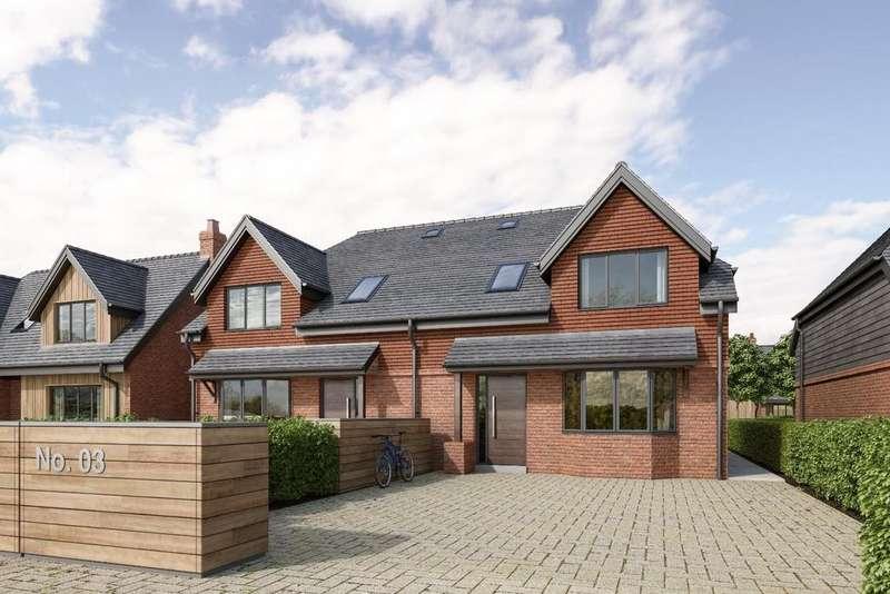 3 Bedrooms Semi Detached House for sale in Souchez Gardens, Britford Lane, Salisbury