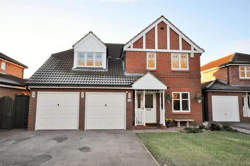 4 Bedrooms Detached House for sale in Herdwick Close, Clifton, York, YO30 5GE