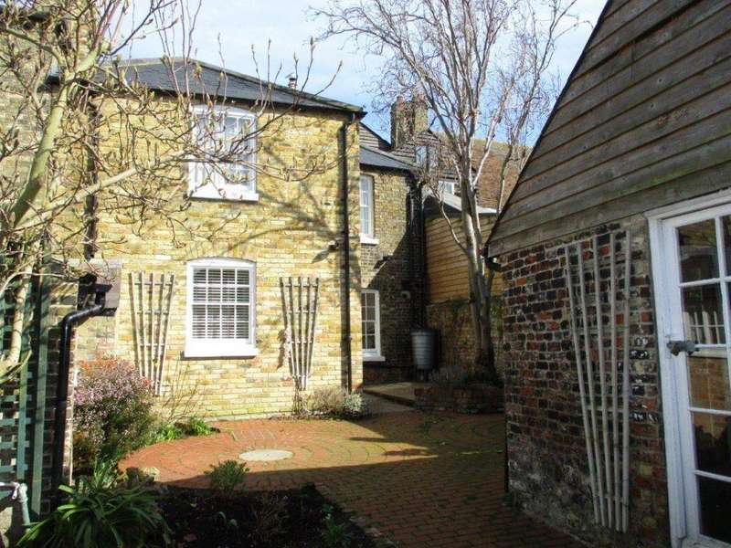 3 Bedrooms Flat for rent in New Street, Sandwich