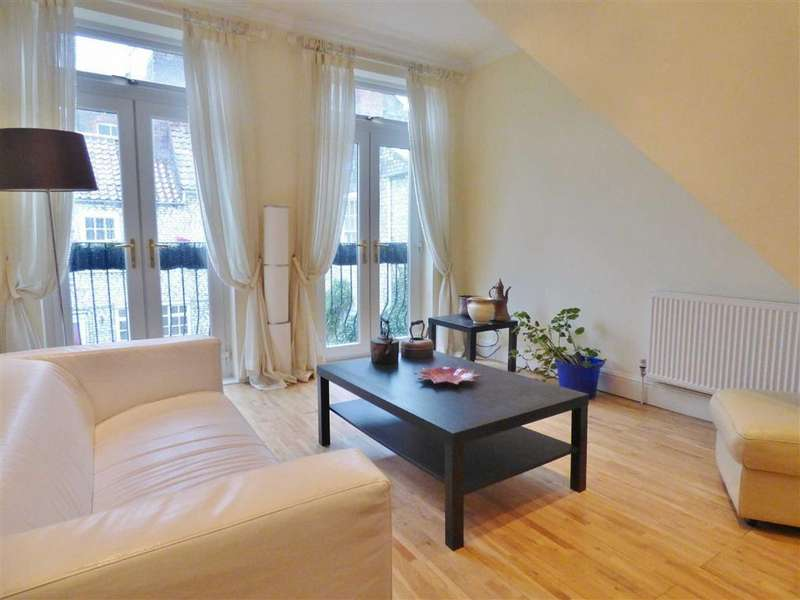 3 Bedrooms Flat for rent in North Bar Within, Beverley