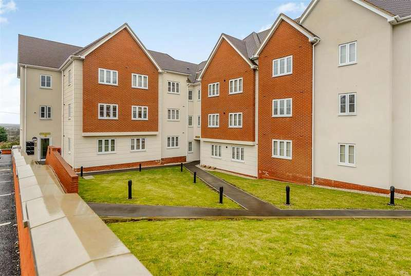 2 Bedrooms Apartment Flat for sale in London Road, Benfleet