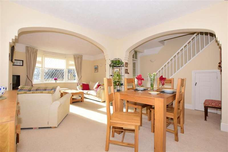 4 Bedrooms Detached House for sale in Godwyn Road, Deal, Kent