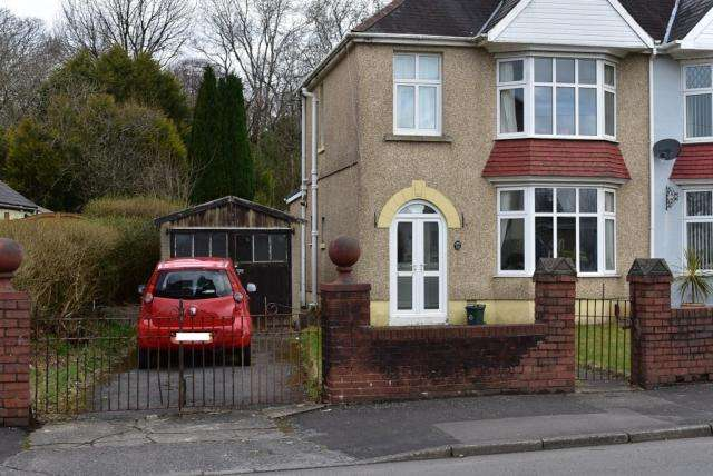 3 Bedrooms Semi Detached House for rent in Vicarage Road, Morriston, SA6 6DP