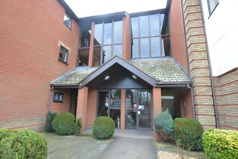 2 Bedrooms Apartment Flat for sale in Albion Court, Sun Street, Billericay, Essex, CM12