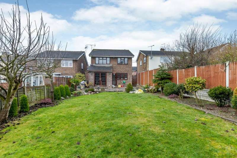 4 Bedrooms Detached House for sale in Manor Road, Benfleet