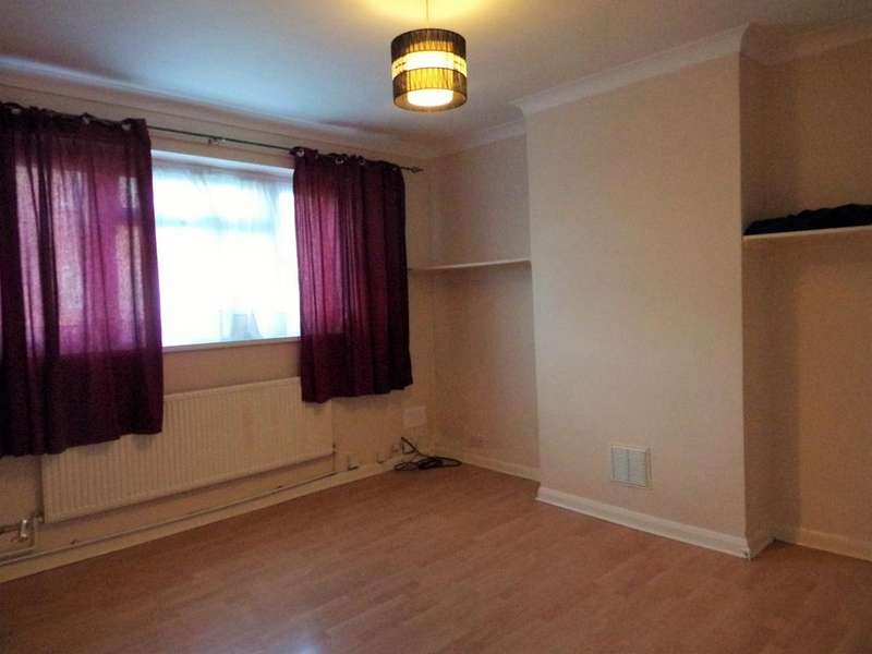 2 Bedrooms Maisonette Flat for sale in Bury Avenue, Hayes, Greater London UB4