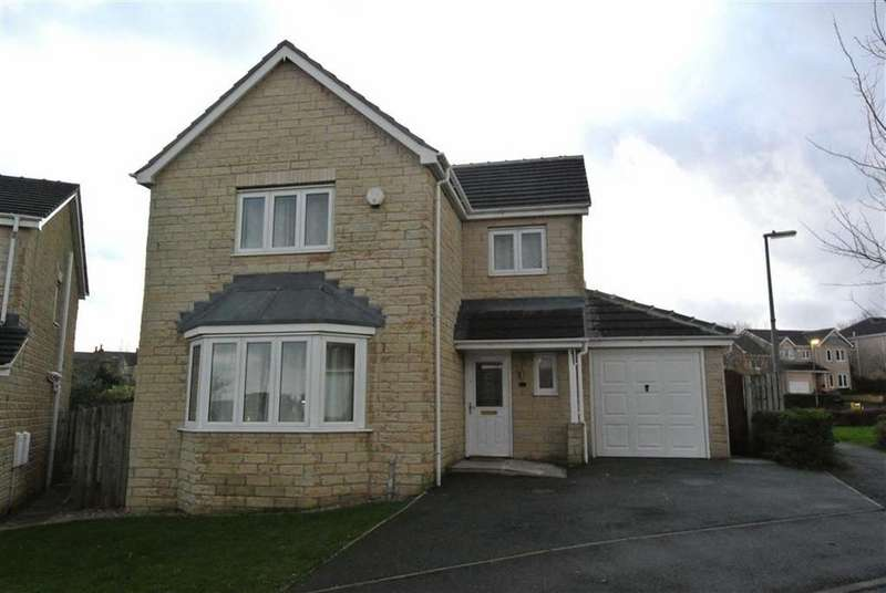 4 Bedrooms Detached House for rent in College Avenue, Lindley, Huddersfield, HD3
