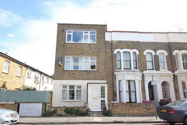 3 Bedrooms House for sale in Lyal Road