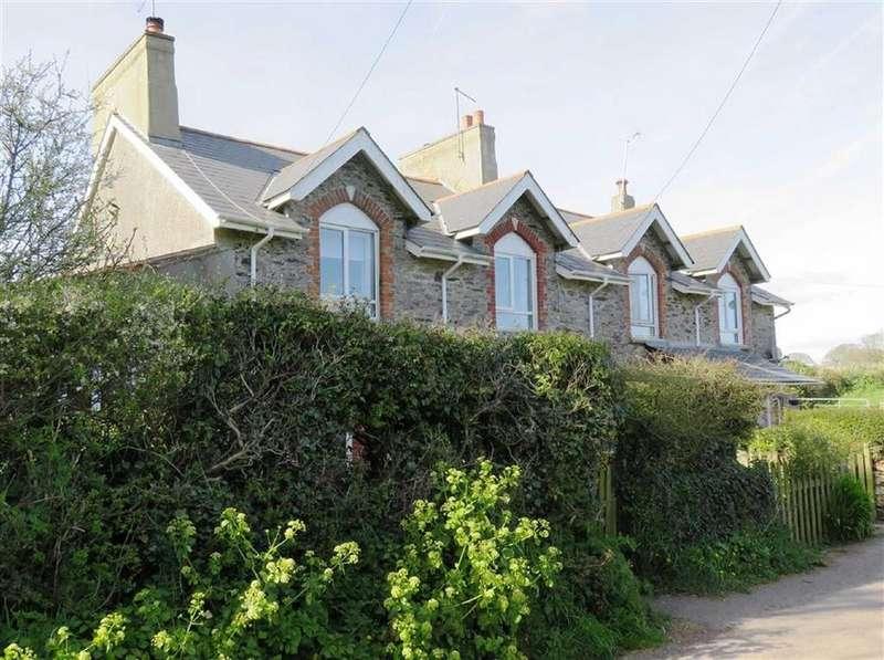 2 Bedrooms Semi Detached House for rent in Broad Road, Kingswear, Dartmouth, Devon, TQ6