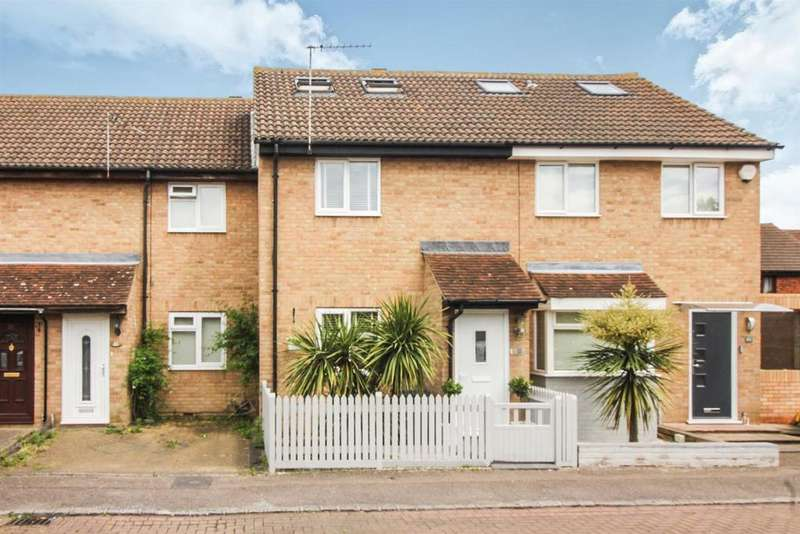 4 Bedrooms Terraced House for sale in Leaforis Road, West Cheshunt, Herts EN7