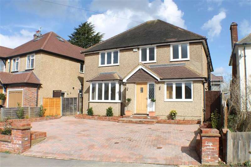5 Bedrooms Detached House for sale in Topstreet Way, Harpenden, Hertfordshire