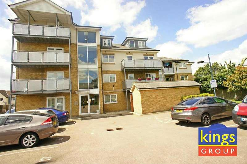 1 Bedroom Apartment Flat for sale in Lockwood Place, Chingford