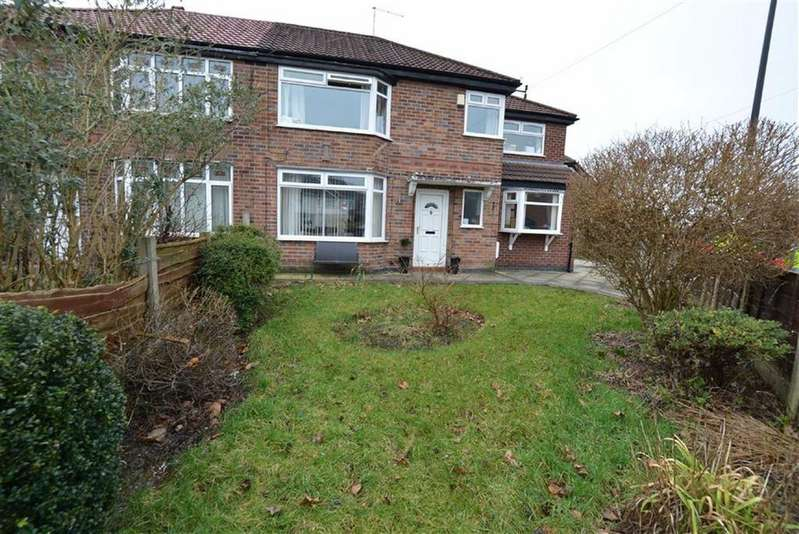 4 Bedrooms Semi Detached House for sale in Clevedon Avenue, URMSTON, Manchester