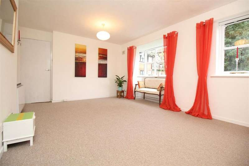 2 Bedrooms Flat for sale in Creighton Road, London