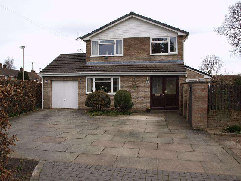 3 Bedrooms Semi Detached House for sale in Ashbank, Rudheath, CW9 7HZ