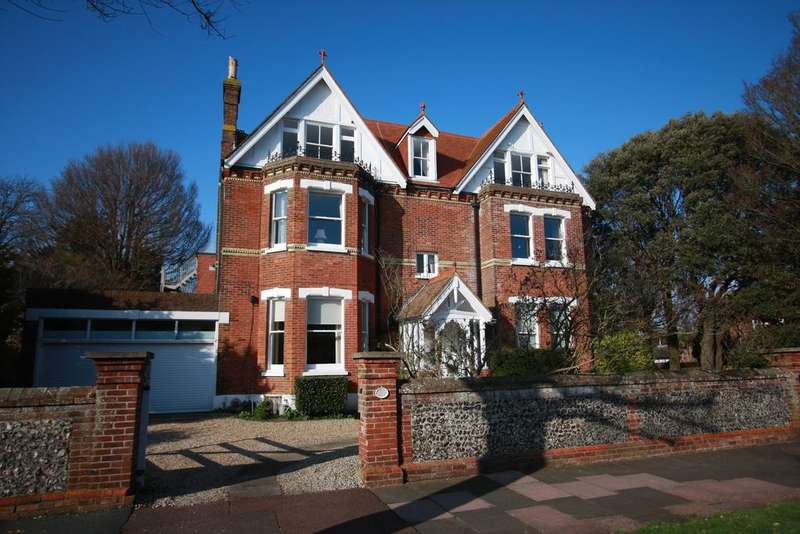 4 Bedrooms Apartment Flat for sale in St Johns Road, Eastbourne BN20