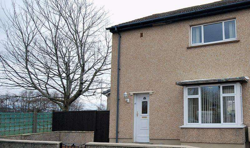 3 Bedrooms End Of Terrace House for sale in 49 Orangefield Drive, Prestwick, KA9 1HF
