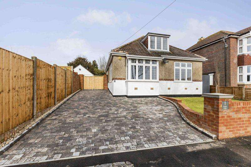 3 Bedrooms Bungalow for sale in Solent Road, Drayton