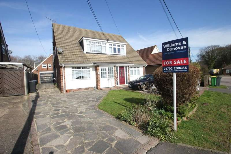 3 Bedrooms Semi Detached House for sale in Victor Gardens, Hawkwell