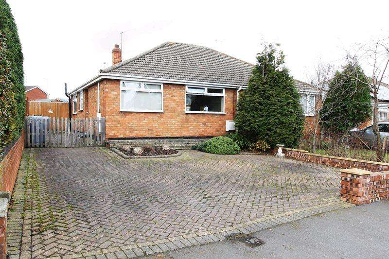 2 Bedrooms Semi Detached Bungalow for sale in Littlewood Lane, Walsall