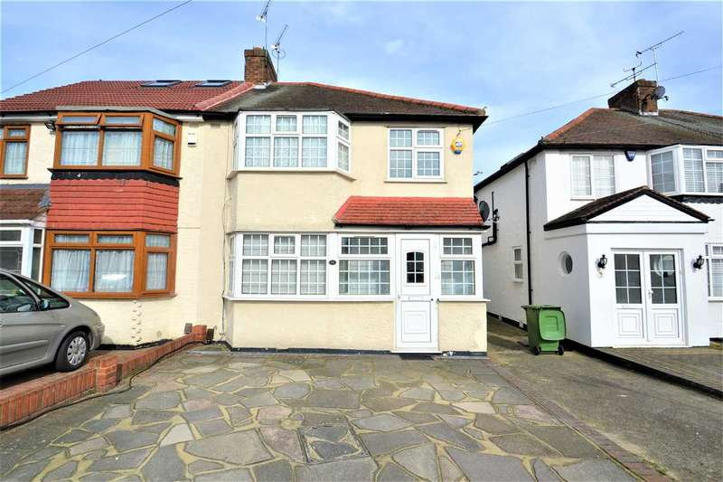 3 Bedrooms Semi Detached House for sale in The Glade, Ilford