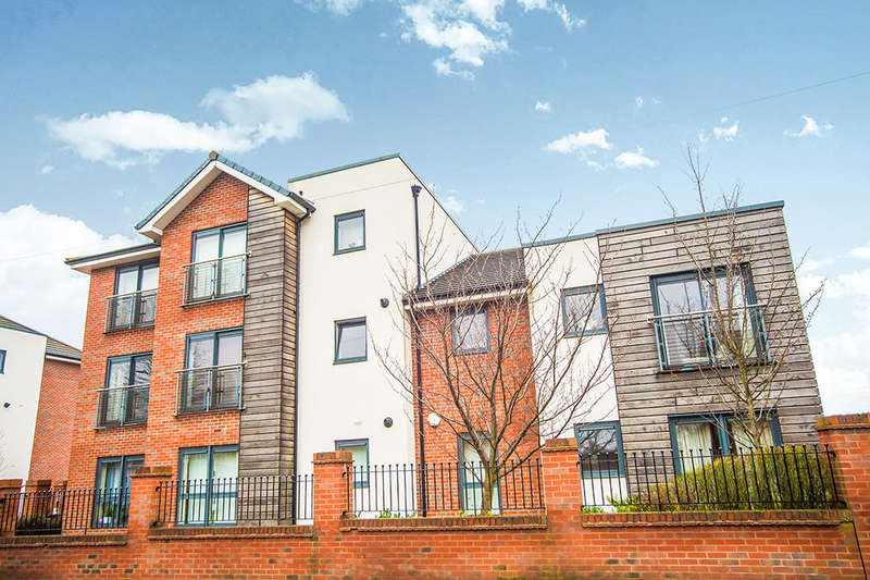 2 Bedrooms Flat for rent in Mere Lane, Armthorpe, Doncaster, DN3