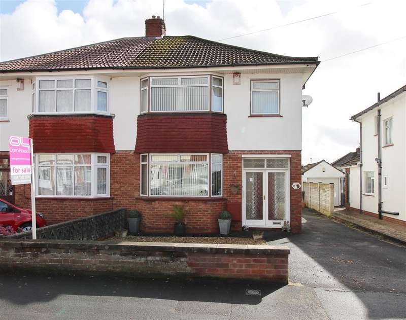 3 Bedrooms Semi Detached House for sale in Samuel White Road, Bristol