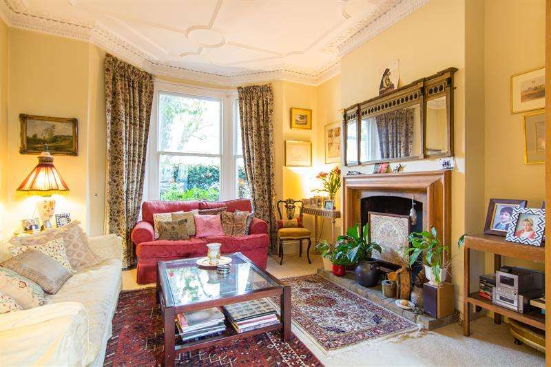 4 Bedrooms Terraced House for sale in Ormiston Grove, Shepherds Bush, London, W12