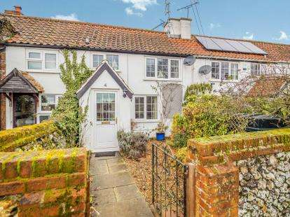 2 Bedrooms Terraced House for sale in The Street, Thurne, Great Yarmouth