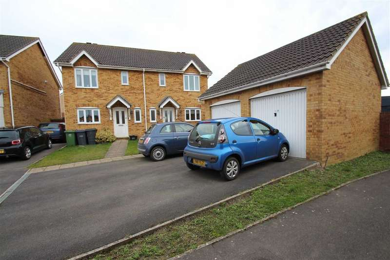 3 Bedrooms Semi Detached House for sale in Foxglove Drive, Hilperton, Wiltshire, BA14