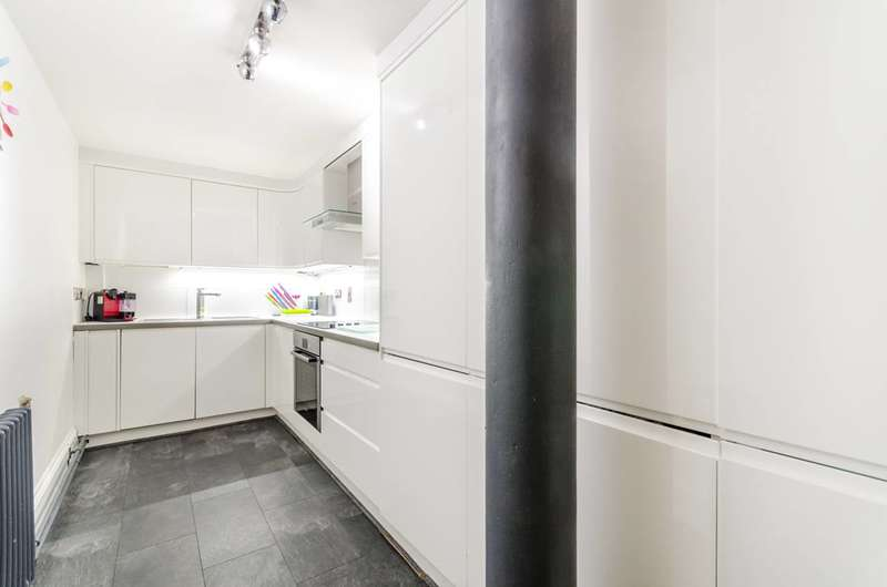 2 Bedrooms Flat for rent in Rotherhithe Street, Rotherhithe, SE16