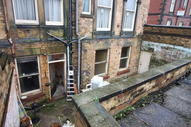 1 Bedroom Flat for sale in 4 Westwood, Scarborough, North Yorkshire, YO11 2JD