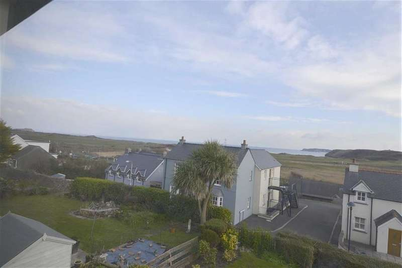 2 Bedrooms Flat for sale in 3, Glan-y-Mor Court, Penally, SA70