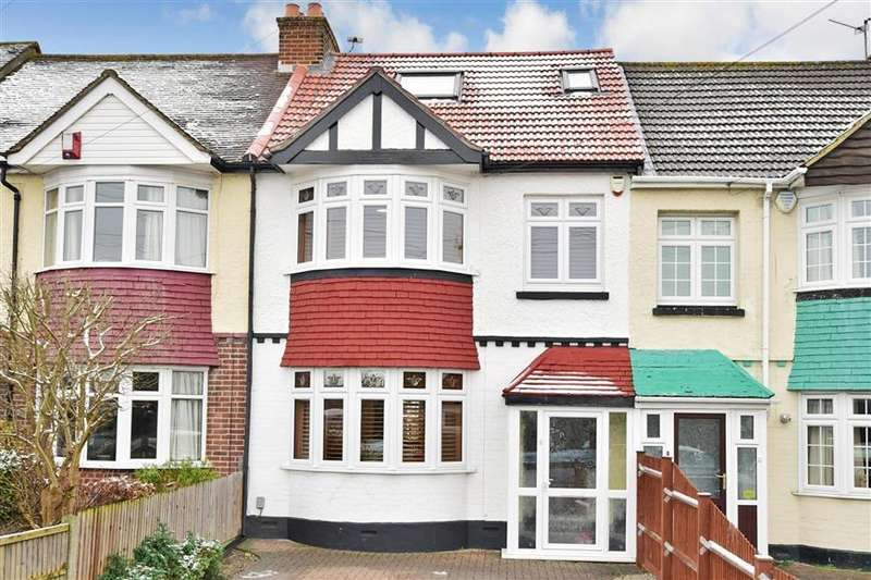 4 Bedrooms Terraced House for sale in Magpie Hall Road, Chatham, Kent