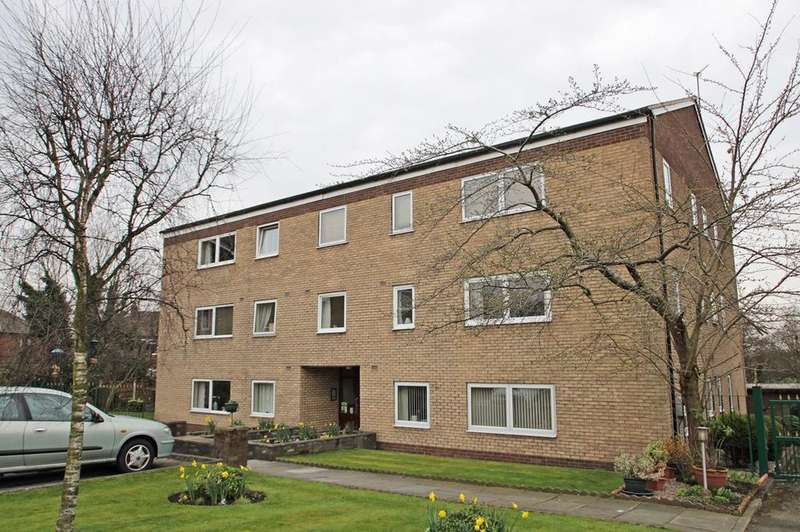 1 Bedroom Apartment Flat for rent in Harcourt Close, Urmston, Manchester, M41