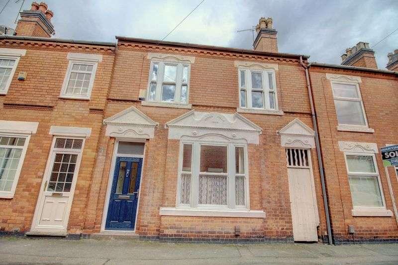 4 Bedrooms Property for sale in John Street, Hinckley