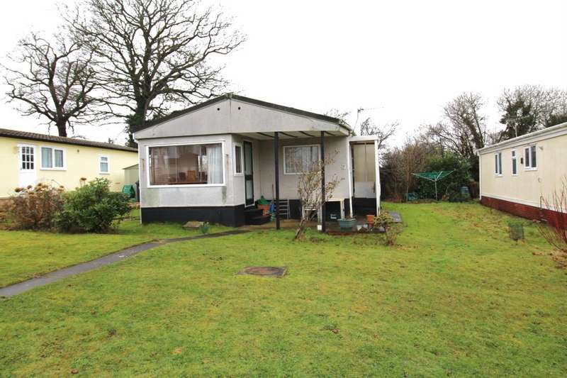 2 Bedrooms Detached Bungalow for sale in Fairview Avenue, Cat Fiddle Park,Clyst St. Mary, Exeter, EX5