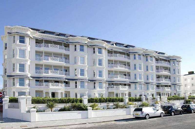 2 Bedrooms Apartment Flat for sale in The Eardley, 3-10 Marine Parade, Worthing, BN11