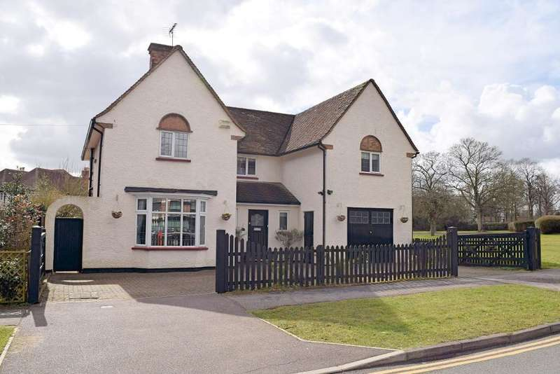 5 Bedrooms Detached House for sale in Meadow Way, Letchworth, Herts, SG6 3JB