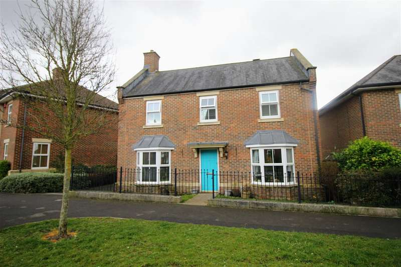 4 Bedrooms Detached House for sale in Addinsell Road, Redhouse, Swindon