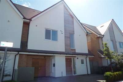 4 Bedrooms House for rent in Ennerdale Road, Formby, L37 2EA