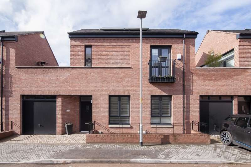 2 Bedrooms Link Detached House for sale in Peggy Lane, Manchester, Greater Manchester, M22