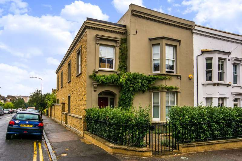 4 Bedrooms House for rent in Lyndhurst Grove, Peckham Rye, SE15